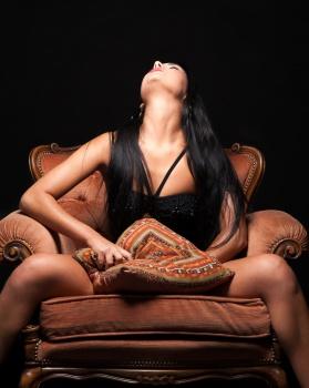 Erotic female metronome hypnotist